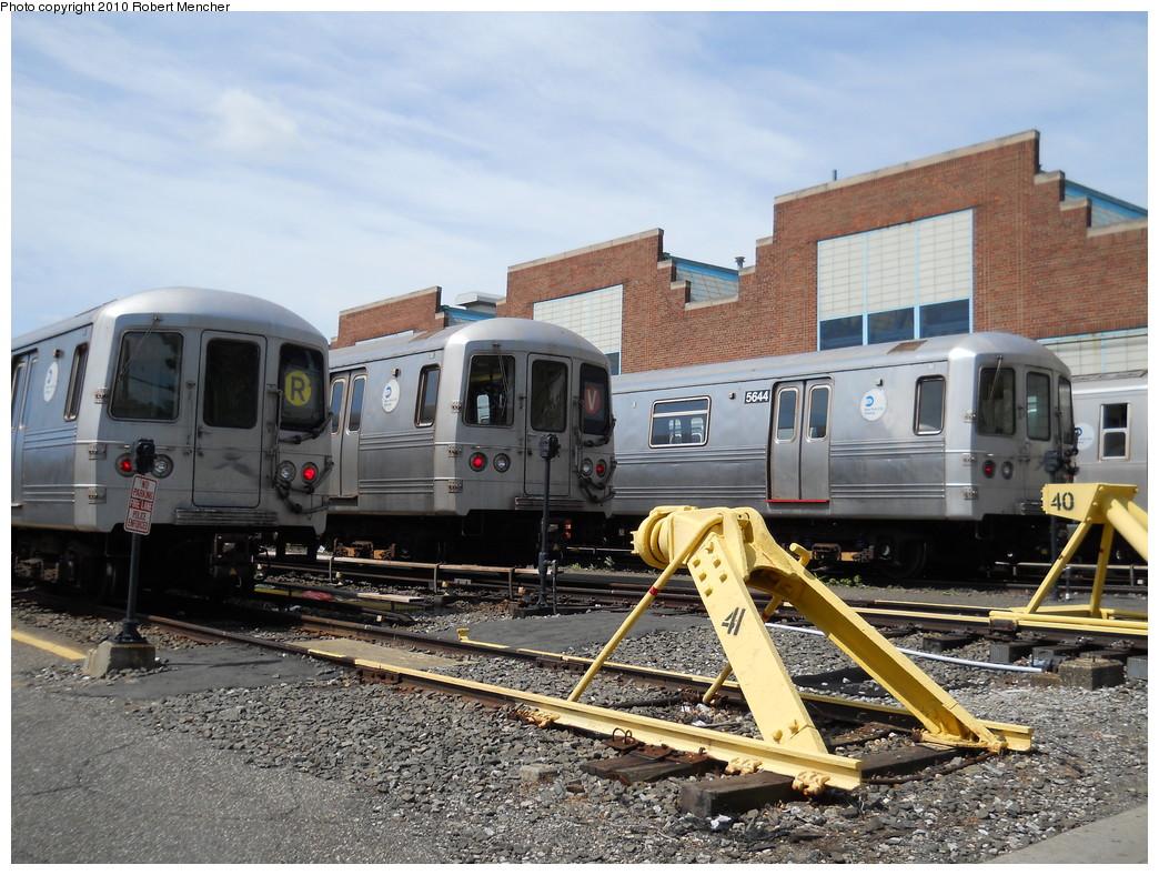 (313k, 1044x788)<br><b>Country:</b> United States<br><b>City:</b> New York<br><b>System:</b> New York City Transit<br><b>Location:</b> Jamaica Yard/Shops<br><b>Car:</b> R-46 (Pullman-Standard, 1974-75) 5644 <br><b>Photo by:</b> Robert Mencher<br><b>Date:</b> 5/15/2010<br><b>Viewed (this week/total):</b> 1 / 922