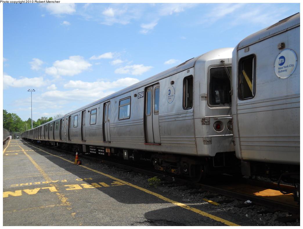 (242k, 1044x788)<br><b>Country:</b> United States<br><b>City:</b> New York<br><b>System:</b> New York City Transit<br><b>Location:</b> Jamaica Yard/Shops<br><b>Car:</b> R-46 (Pullman-Standard, 1974-75) 5754 <br><b>Photo by:</b> Robert Mencher<br><b>Date:</b> 5/15/2010<br><b>Viewed (this week/total):</b> 2 / 953