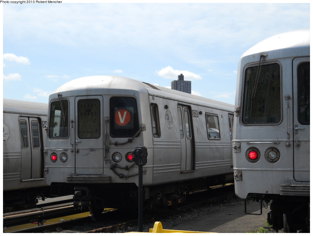 (200k, 1044x788)<br><b>Country:</b> United States<br><b>City:</b> New York<br><b>System:</b> New York City Transit<br><b>Location:</b> Jamaica Yard/Shops<br><b>Car:</b> R-46 (Pullman-Standard, 1974-75) 5726 <br><b>Photo by:</b> Robert Mencher<br><b>Date:</b> 5/15/2010<br><b>Viewed (this week/total):</b> 4 / 1006