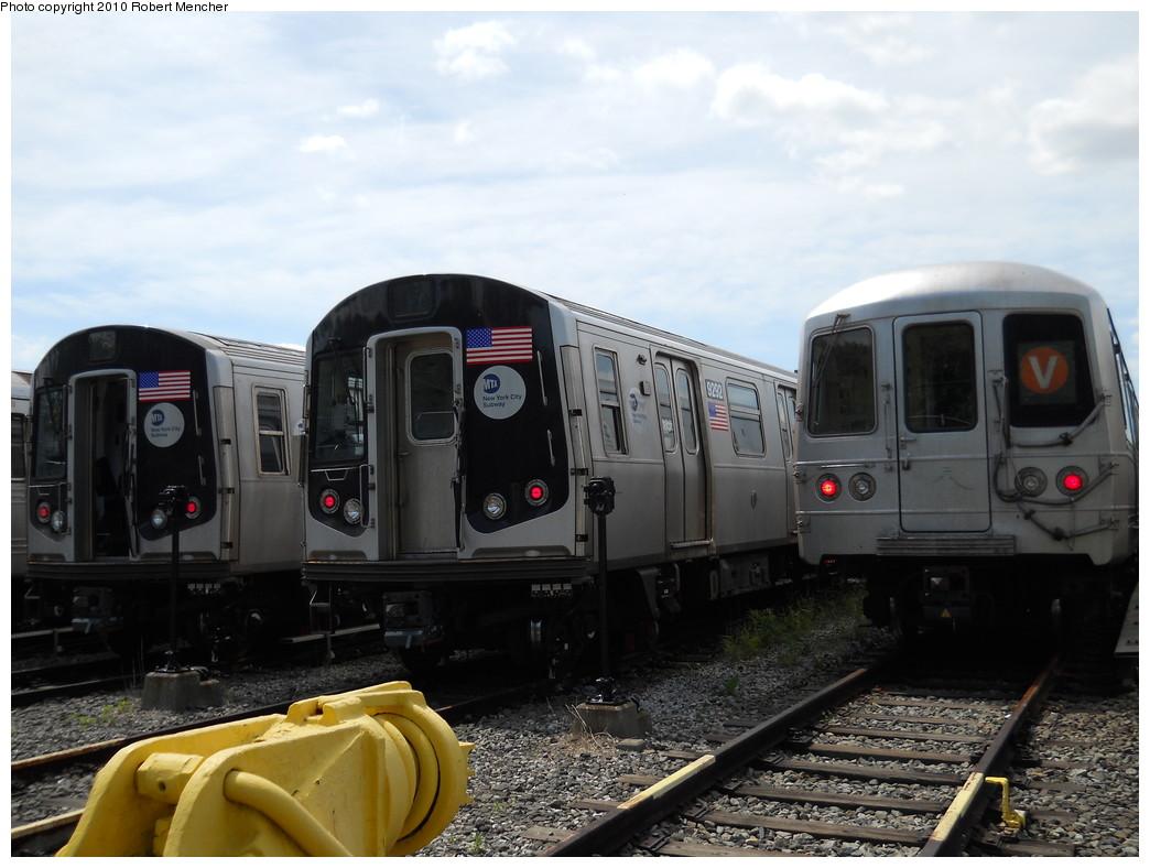 (240k, 1044x788)<br><b>Country:</b> United States<br><b>City:</b> New York<br><b>System:</b> New York City Transit<br><b>Location:</b> Jamaica Yard/Shops<br><b>Car:</b> R-160A (Option 1) (Alstom, 2008-2009, 5 car sets)  9292 <br><b>Photo by:</b> Robert Mencher<br><b>Date:</b> 5/15/2010<br><b>Viewed (this week/total):</b> 0 / 915