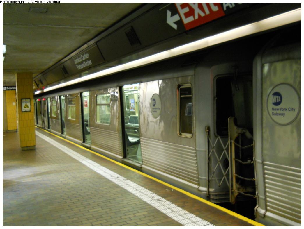 (242k, 1044x788)<br><b>Country:</b> United States<br><b>City:</b> New York<br><b>System:</b> New York City Transit<br><b>Line:</b> BMT Nassau Street/Jamaica Line<br><b>Location:</b> Jamaica Center/Parsons-Archer <br><b>Route:</b> J<br><b>Car:</b> R-42 (St. Louis, 1969-1970)  4810 <br><b>Photo by:</b> Robert Mencher<br><b>Date:</b> 5/15/2010<br><b>Viewed (this week/total):</b> 0 / 863
