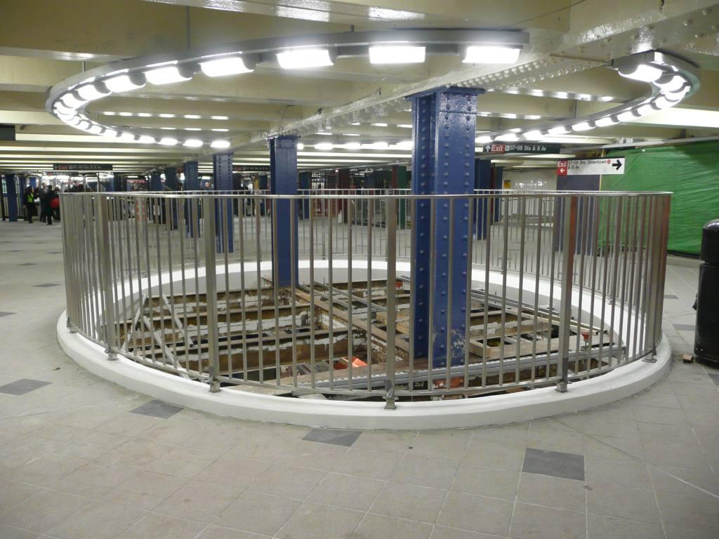 (132k, 1024x768)<br><b>Country:</b> United States<br><b>City:</b> New York<br><b>System:</b> New York City Transit<br><b>Line:</b> IND 8th Avenue Line<br><b>Location:</b> 59th Street/Columbus Circle <br><b>Photo by:</b> Robbie Rosenfeld<br><b>Date:</b> 5/11/2010<br><b>Notes:</b> Mezzanine.<br><b>Viewed (this week/total):</b> 0 / 1847