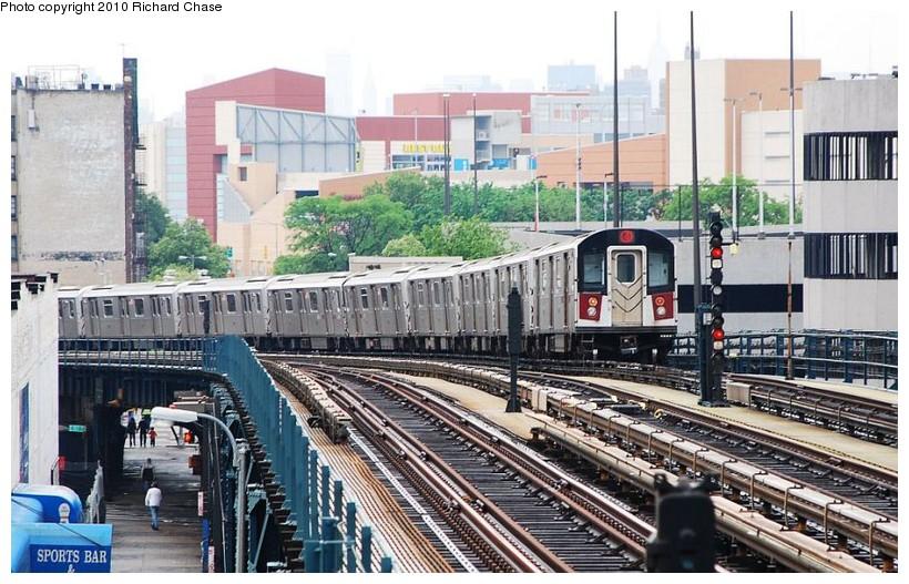 (154k, 820x527)<br><b>Country:</b> United States<br><b>City:</b> New York<br><b>System:</b> New York City Transit<br><b>Line:</b> IRT Woodlawn Line<br><b>Location:</b> 161st Street/River Avenue (Yankee Stadium) <br><b>Route:</b> 4<br><b>Car:</b> R-142 or R-142A (Number Unknown)  <br><b>Photo by:</b> Richard Chase<br><b>Date:</b> 5/8/2010<br><b>Viewed (this week/total):</b> 0 / 1033