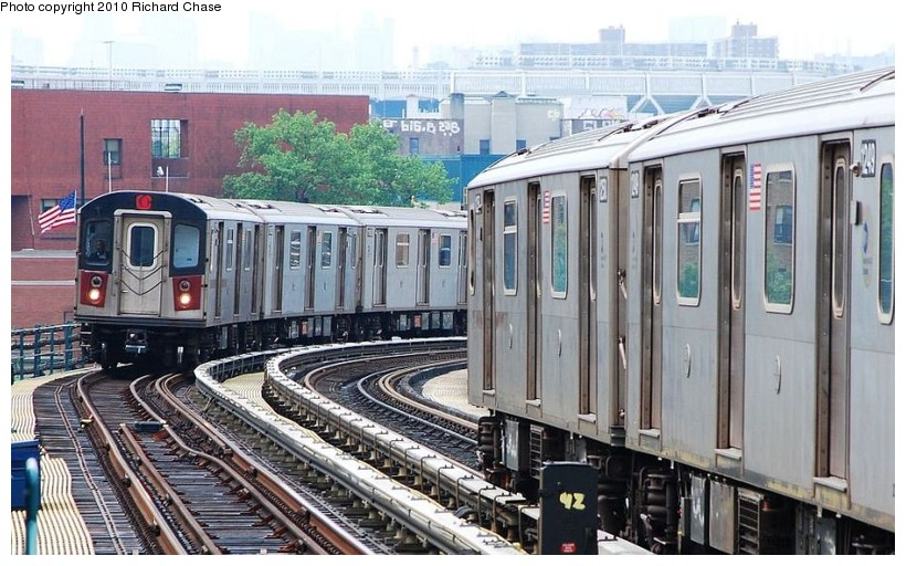(140k, 820x512)<br><b>Country:</b> United States<br><b>City:</b> New York<br><b>System:</b> New York City Transit<br><b>Line:</b> IRT Woodlawn Line<br><b>Location:</b> 170th Street <br><b>Route:</b> 4<br><b>Car:</b> R-142 or R-142A (Number Unknown)  <br><b>Photo by:</b> Richard Chase<br><b>Date:</b> 5/8/2010<br><b>Viewed (this week/total):</b> 0 / 935