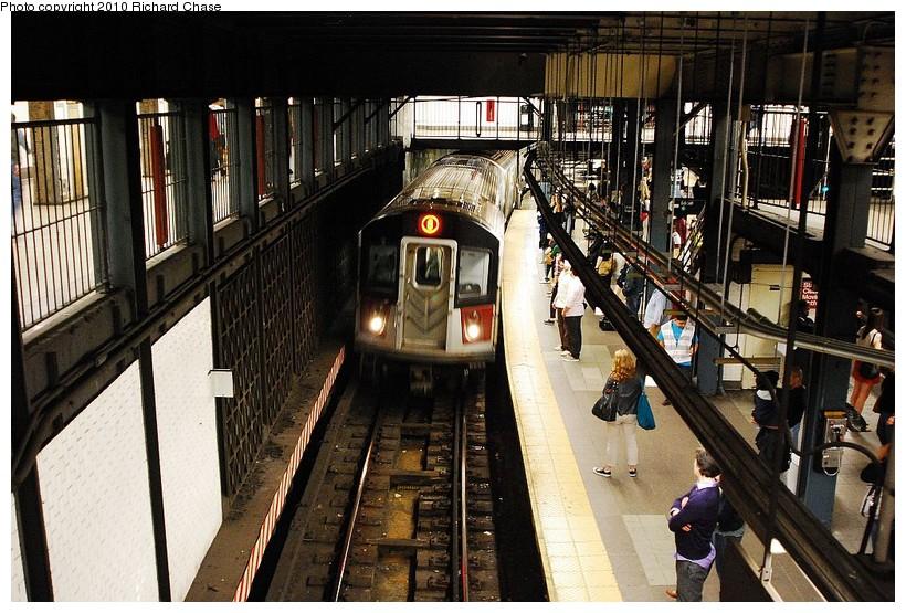 (162k, 820x555)<br><b>Country:</b> United States<br><b>City:</b> New York<br><b>System:</b> New York City Transit<br><b>Line:</b> IRT East Side Line<br><b>Location:</b> 14th Street/Union Square <br><b>Route:</b> 6<br><b>Car:</b> R-142 or R-142A (Number Unknown)  <br><b>Photo by:</b> Richard Chase<br><b>Date:</b> 5/8/2010<br><b>Viewed (this week/total):</b> 4 / 1836