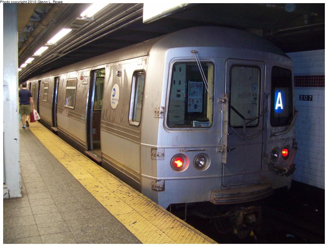(206k, 1044x788)<br><b>Country:</b> United States<br><b>City:</b> New York<br><b>System:</b> New York City Transit<br><b>Line:</b> IND 8th Avenue Line<br><b>Location:</b> 207th Street <br><b>Route:</b> A<br><b>Car:</b> R-44 (St. Louis, 1971-73) 5320 <br><b>Photo by:</b> Glenn L. Rowe<br><b>Date:</b> 5/21/2010<br><b>Viewed (this week/total):</b> 1 / 1010