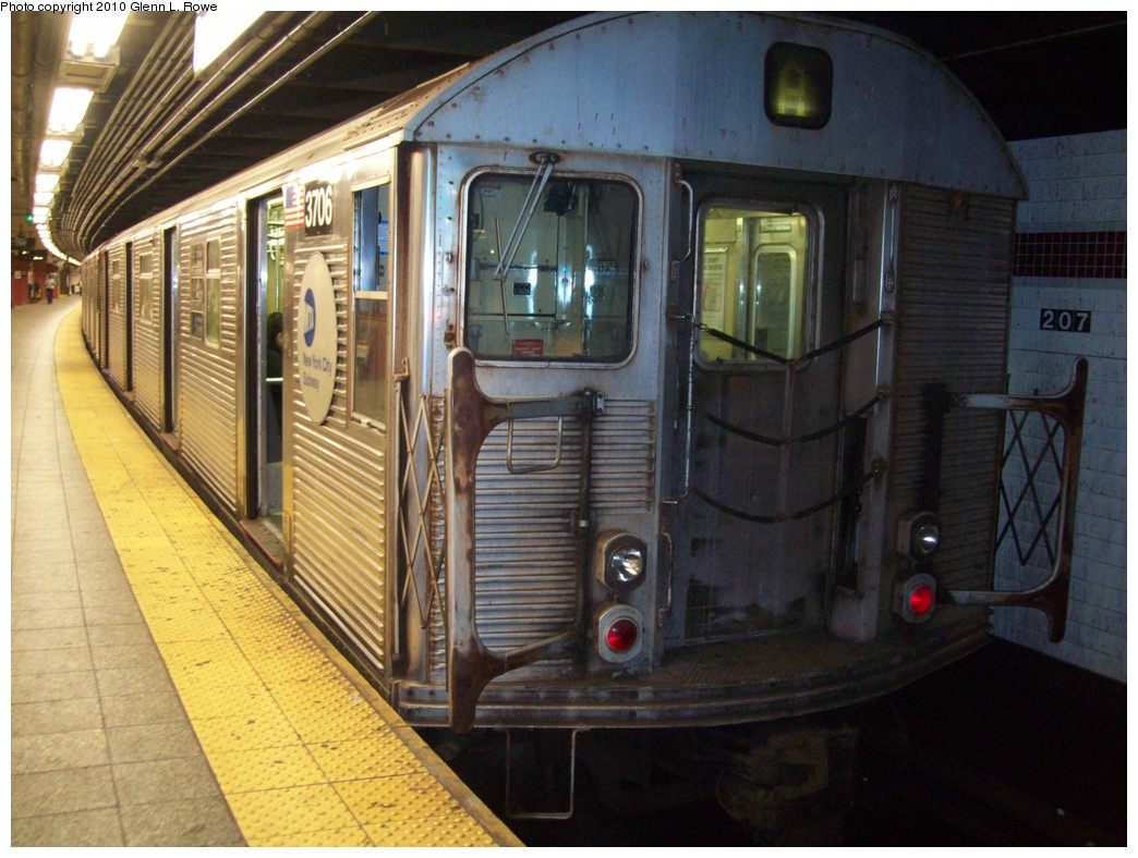 (220k, 1044x788)<br><b>Country:</b> United States<br><b>City:</b> New York<br><b>System:</b> New York City Transit<br><b>Line:</b> IND 8th Avenue Line<br><b>Location:</b> 207th Street <br><b>Route:</b> A<br><b>Car:</b> R-32 (Budd, 1964)  3706 <br><b>Photo by:</b> Glenn L. Rowe<br><b>Date:</b> 5/19/2010<br><b>Viewed (this week/total):</b> 0 / 714