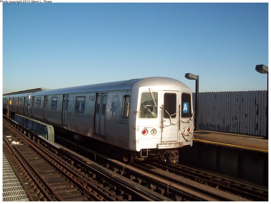 (181k, 1044x788)<br><b>Country:</b> United States<br><b>City:</b> New York<br><b>System:</b> New York City Transit<br><b>Line:</b> IND Fulton Street Line<br><b>Location:</b> 80th Street/Hudson Street <br><b>Route:</b> A<br><b>Car:</b> R-44 (St. Louis, 1971-73) 5276 <br><b>Photo by:</b> Glenn L. Rowe<br><b>Date:</b> 5/13/2010<br><b>Viewed (this week/total):</b> 0 / 702