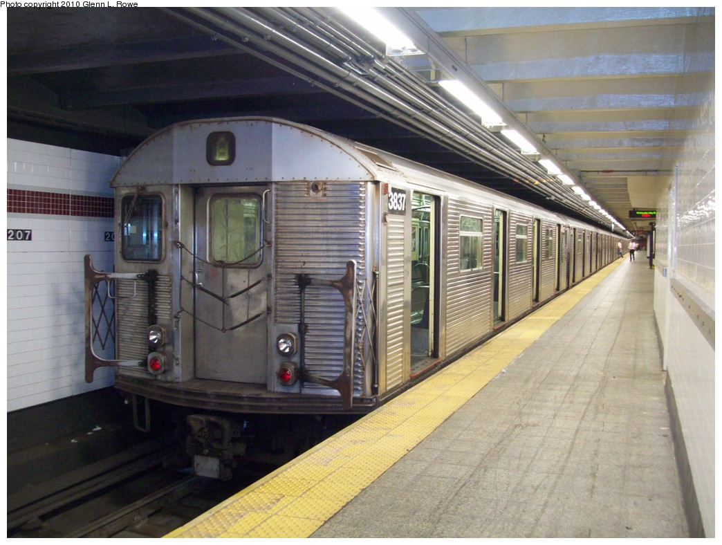 (216k, 1044x788)<br><b>Country:</b> United States<br><b>City:</b> New York<br><b>System:</b> New York City Transit<br><b>Line:</b> IND 8th Avenue Line<br><b>Location:</b> 207th Street <br><b>Route:</b> A<br><b>Car:</b> R-32 (Budd, 1964)  3837 <br><b>Photo by:</b> Glenn L. Rowe<br><b>Date:</b> 5/26/2010<br><b>Viewed (this week/total):</b> 4 / 825