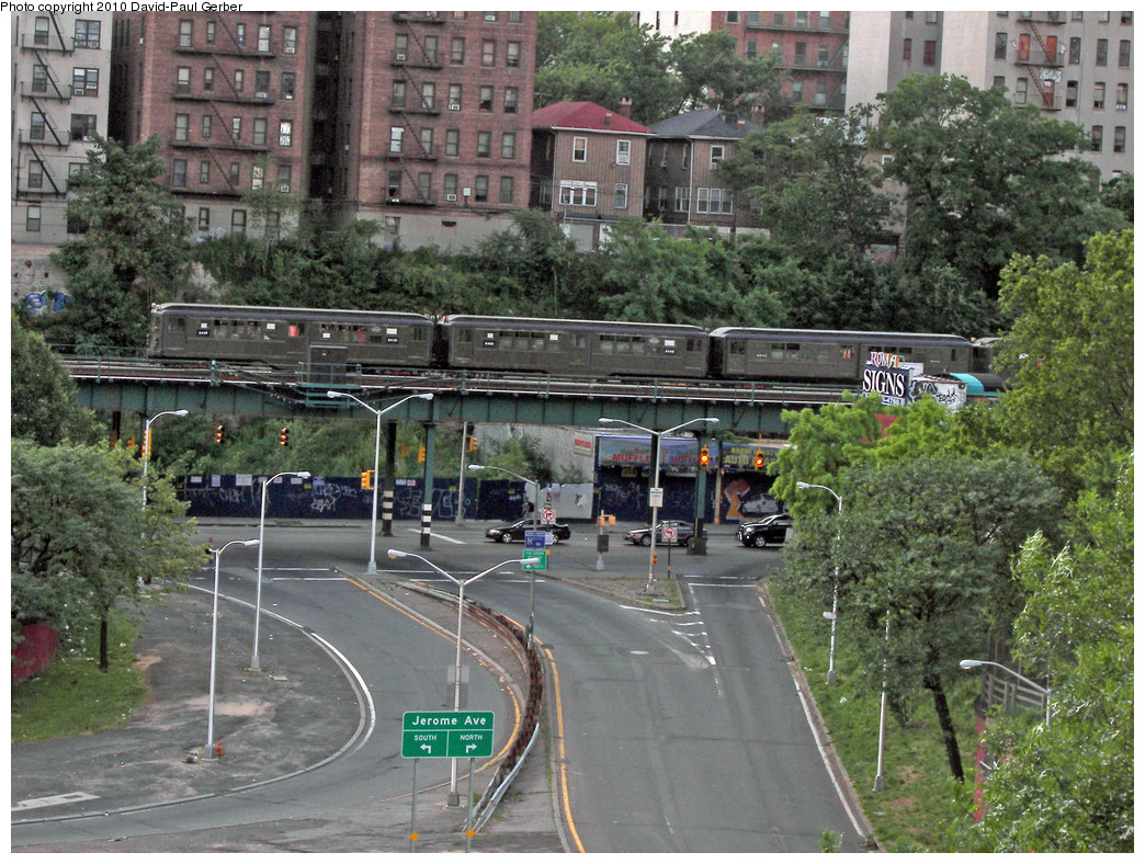 (369k, 1044x788)<br><b>Country:</b> United States<br><b>City:</b> New York<br><b>System:</b> New York City Transit<br><b>Line:</b> IRT Woodlawn Line<br><b>Location:</b> Mt. Eden Avenue <br><b>Route:</b> Fan Trip<br><b>Car:</b> Low-V (Museum Train) 5443-5483-4902 <br><b>Photo by:</b> David-Paul Gerber<br><b>Date:</b> 6/6/2010<br><b>Notes:</b> Heading northbound towards Concourse Yard - - photo taken on Grand Concourse overlooking Cross Bronx Expressway<br><b>Viewed (this week/total):</b> 0 / 2147