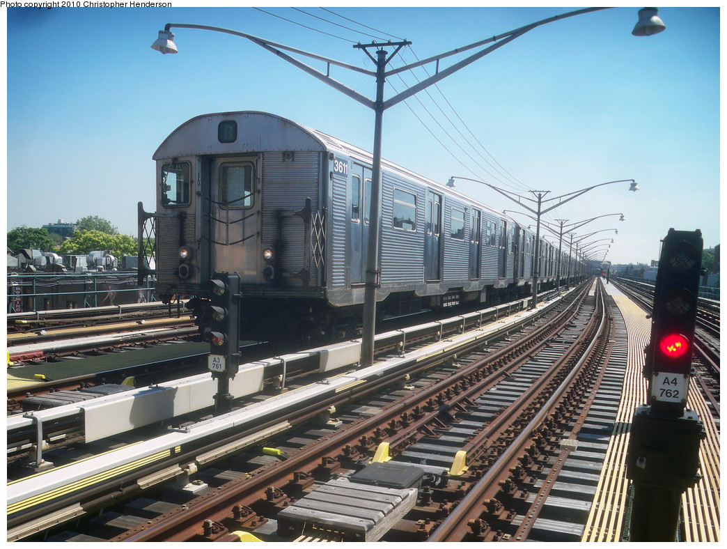 (317k, 1044x788)<br><b>Country:</b> United States<br><b>City:</b> New York<br><b>System:</b> New York City Transit<br><b>Line:</b> BMT Brighton Line<br><b>Location:</b> Ocean Parkway <br><b>Route:</b> B<br><b>Car:</b> R-32 (Budd, 1964)  3611 <br><b>Photo by:</b> Christopher Henderson<br><b>Date:</b> 6/2/2010<br><b>Viewed (this week/total):</b> 0 / 1303