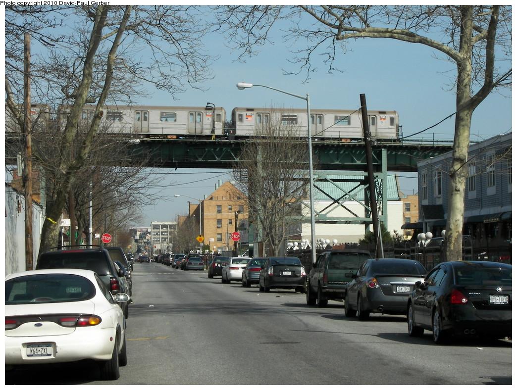 (340k, 1044x788)<br><b>Country:</b> United States<br><b>City:</b> New York<br><b>System:</b> New York City Transit<br><b>Line:</b> IRT Brooklyn Line<br><b>Location:</b> Pennsylvania Avenue <br><b>Route:</b> 3<br><b>Car:</b> R-62 (Kawasaki, 1983-1985)  1510 <br><b>Photo by:</b> David-Paul Gerber<br><b>Date:</b> 4/3/2010<br><b>Notes:</b> On Snediker Ave and Livonia Ave. New Lots-bound 3 train.<br><b>Viewed (this week/total):</b> 5 / 2345