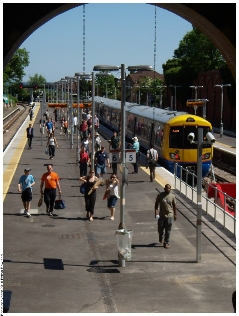 (201k, 788x1044)<br><b>Country:</b> United Kingdom<br><b>City:</b> London<br><b>System:</b> London Overground<br><b>Line:</b> East London<br><b>Location:</b> Crystal Palace <br><b>Photo by:</b> Fytton Rowland<br><b>Date:</b> 5/23/2010<br><b>Notes:</b> Crystal Palace station, class 378/2 train in the inaccessible platform 5<br><b>Viewed (this week/total):</b> 0 / 899