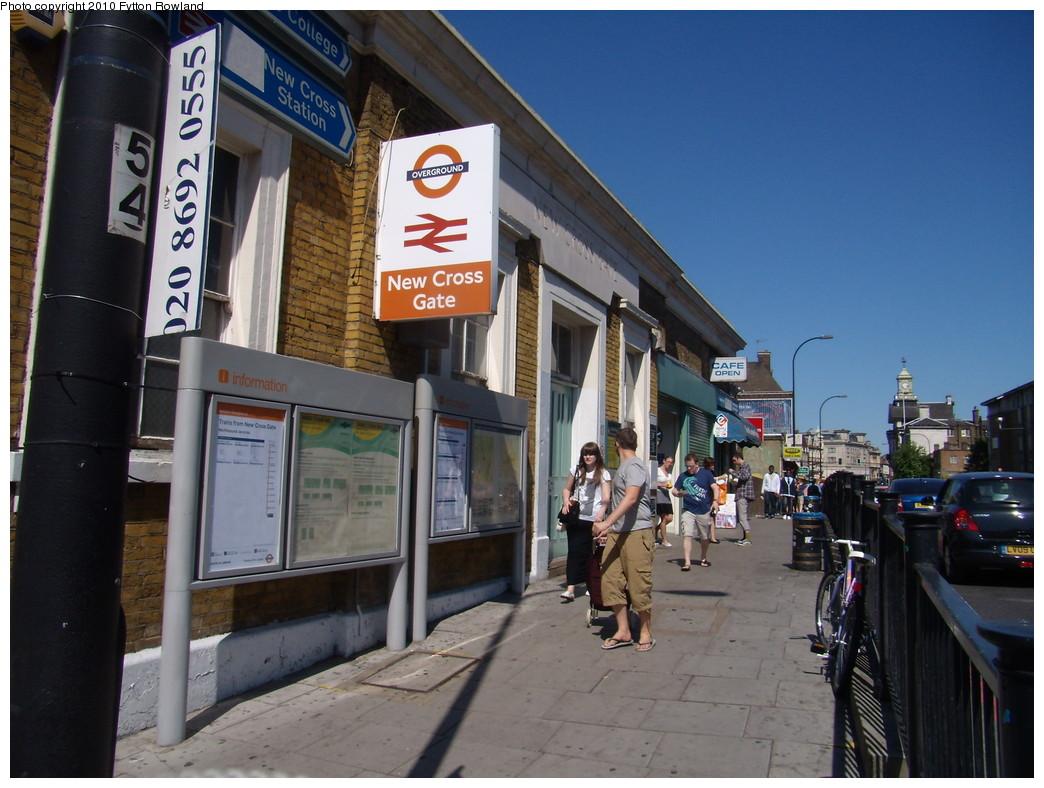 (220k, 1044x788)<br><b>Country:</b> United Kingdom<br><b>City:</b> London<br><b>System:</b> London Overground<br><b>Line:</b> East London<br><b>Location:</b> New Cross Gate <br><b>Photo by:</b> Fytton Rowland<br><b>Date:</b> 5/23/2010<br><b>Notes:</b> New Cross Gate station<br><b>Viewed (this week/total):</b> 0 / 569