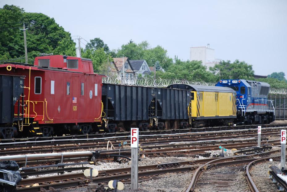 (202k, 929x622)<br><b>Country:</b> United States<br><b>City:</b> New York<br><b>System:</b> New York City Transit<br><b>Line:</b> SIRT<br><b>Location:</b> Clifton Yard/Shops <br><b>Photo by:</b> Marc Pitanza<br><b>Date:</b> 6/12/2010<br><b>Viewed (this week/total):</b> 1 / 1357
