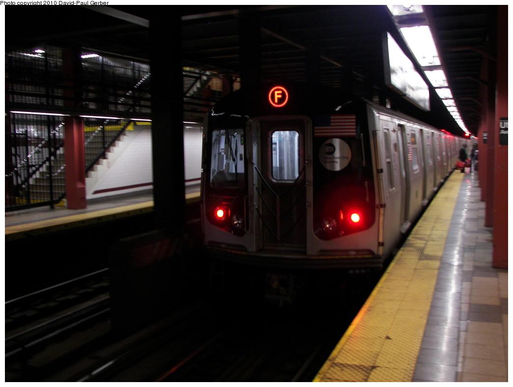 (201k, 1044x788)<br><b>Country:</b> United States<br><b>City:</b> New York<br><b>System:</b> New York City Transit<br><b>Line:</b> IND Fulton Street Line<br><b>Location:</b> Utica Avenue <br><b>Route:</b> F reroute<br><b>Car:</b> R-160B (Option 2) (Kawasaki, 2009)  9804 <br><b>Photo by:</b> David-Paul Gerber<br><b>Date:</b> 4/17/2010<br><b>Viewed (this week/total):</b> 0 / 1444