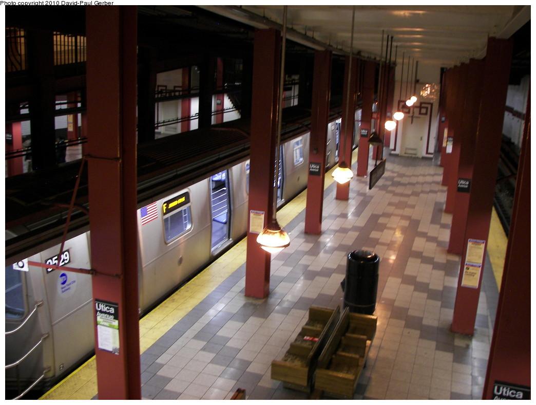 (242k, 1044x788)<br><b>Country:</b> United States<br><b>City:</b> New York<br><b>System:</b> New York City Transit<br><b>Line:</b> IND Fulton Street Line<br><b>Location:</b> Utica Avenue <br><b>Photo by:</b> David-Paul Gerber<br><b>Date:</b> 4/17/2010<br><b>Notes:</b> Platform view.<br><b>Viewed (this week/total):</b> 4 / 1166