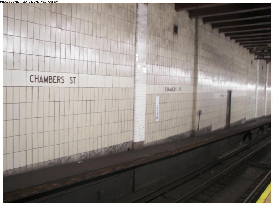 (204k, 1044x788)<br><b>Country:</b> United States<br><b>City:</b> New York<br><b>System:</b> New York City Transit<br><b>Line:</b> BMT Nassau Street/Jamaica Line<br><b>Location:</b> Chambers Street <br><b>Photo by:</b> David-Paul Gerber<br><b>Date:</b> 5/15/2010<br><b>Notes:</b> View of early 1960's tile, covering the west side platform.<br><b>Viewed (this week/total):</b> 2 / 2024