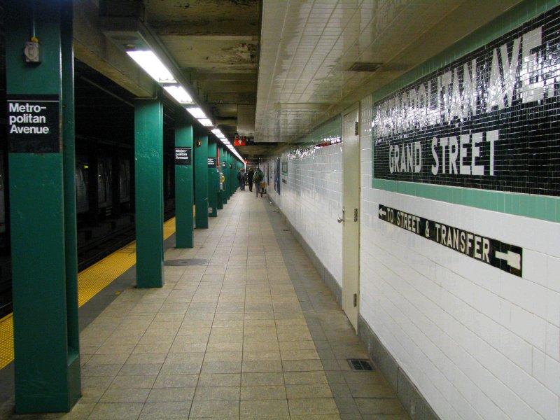 (103k, 800x600)<br><b>Country:</b> United States<br><b>City:</b> New York<br><b>System:</b> New York City Transit<br><b>Line:</b> IND Crosstown Line<br><b>Location:</b> Metropolitan Avenue/Grand Street <br><b>Photo by:</b> Bill E.<br><b>Date:</b> 4/10/2010<br><b>Viewed (this week/total):</b> 1 / 1118