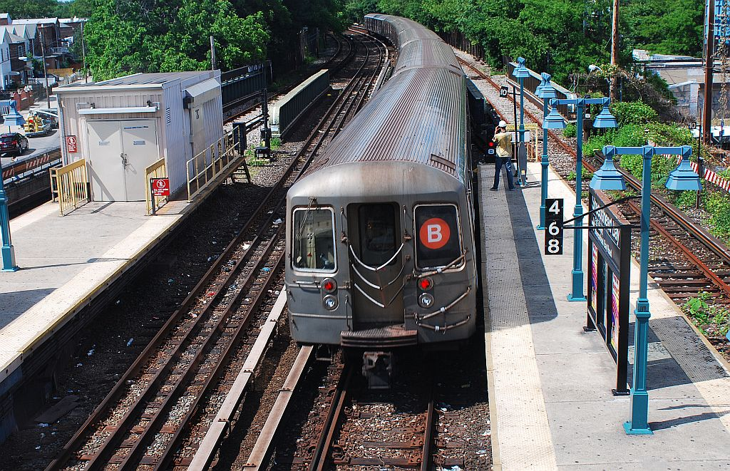 (313k, 1024x661)<br><b>Country:</b> United States<br><b>City:</b> New York<br><b>System:</b> New York City Transit<br><b>Line:</b> BMT Brighton Line<br><b>Location:</b> Sheepshead Bay <br><b>Route:</b> B<br><b>Car:</b> R-68/R-68A Series (Number Unknown)  <br><b>Photo by:</b> Richard Chase<br><b>Date:</b> 6/7/2010<br><b>Viewed (this week/total):</b> 0 / 1626