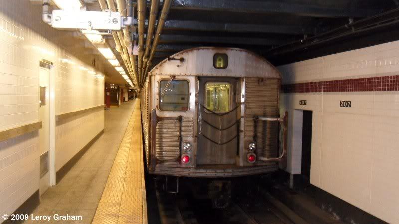 (47k, 800x450)<br><b>Country:</b> United States<br><b>City:</b> New York<br><b>System:</b> New York City Transit<br><b>Line:</b> IND 8th Avenue Line<br><b>Location:</b> 207th Street <br><b>Route:</b> A<br><b>Car:</b> R-32 (Budd, 1964)  3494 <br><b>Photo by:</b> Leroy Graham<br><b>Date:</b> 11/1/2009<br><b>Viewed (this week/total):</b> 1 / 844