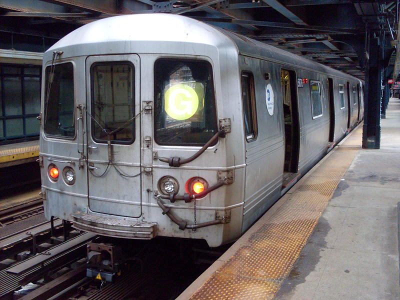 (84k, 800x600)<br><b>Country:</b> United States<br><b>City:</b> New York<br><b>System:</b> New York City Transit<br><b>Line:</b> BMT Culver Line<br><b>Location:</b> West 8th Street <br><b>Route:</b> G<br><b>Car:</b> R-46 (Pullman-Standard, 1974-75) 5876 <br><b>Photo by:</b> Anthony Modesto<br><b>Date:</b> 4/17/2010<br><b>Viewed (this week/total):</b> 1 / 875