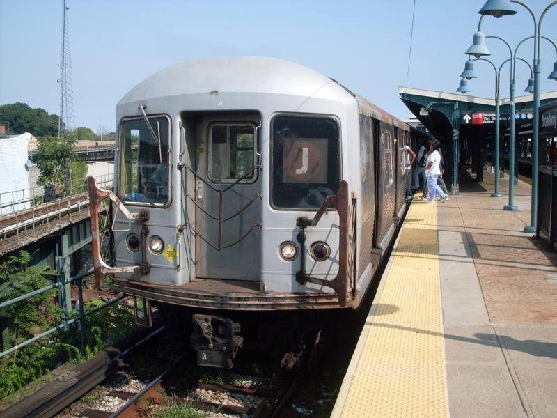 (82k, 800x600)<br><b>Country:</b> United States<br><b>City:</b> New York<br><b>System:</b> New York City Transit<br><b>Line:</b> BMT Nassau Street/Jamaica Line<br><b>Location:</b> Broadway/East New York (Broadway Junction) <br><b>Route:</b> J<br><b>Car:</b> R-42 (St. Louis, 1969-1970)  4830 <br><b>Photo by:</b> Anthony Modesto<br><b>Date:</b> 8/31/2009<br><b>Viewed (this week/total):</b> 2 / 940