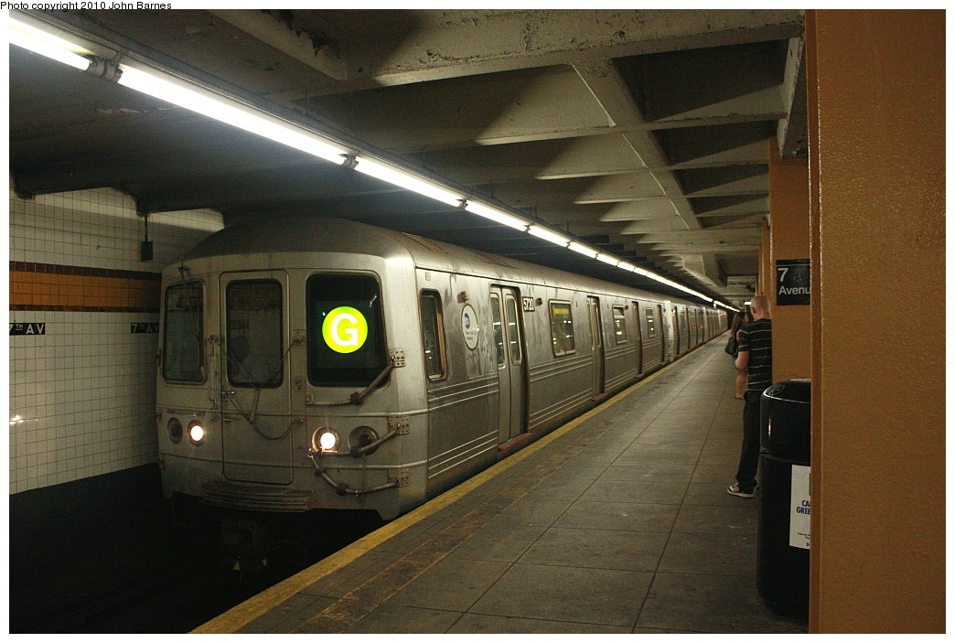 (201k, 1044x703)<br><b>Country:</b> United States<br><b>City:</b> New York<br><b>System:</b> New York City Transit<br><b>Line:</b> IND Crosstown Line<br><b>Location:</b> 7th Avenue/Park Slope <br><b>Route:</b> F<br><b>Car:</b> R-46 (Pullman-Standard, 1974-75) 5720 <br><b>Photo by:</b> John Barnes<br><b>Date:</b> 6/25/2010<br><b>Viewed (this week/total):</b> 0 / 1401