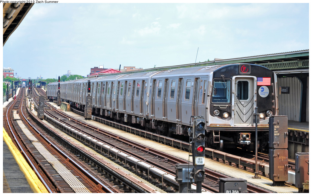 (286k, 1044x657)<br><b>Country:</b> United States<br><b>City:</b> New York<br><b>System:</b> New York City Transit<br><b>Line:</b> BMT Culver Line<br><b>Location:</b> Avenue X <br><b>Route:</b> F<br><b>Car:</b> R-160A (Option 1) (Alstom, 2008-2009, 5 car sets)  9488 <br><b>Photo by:</b> Zach Summer<br><b>Date:</b> 6/23/2010<br><b>Viewed (this week/total):</b> 0 / 1151