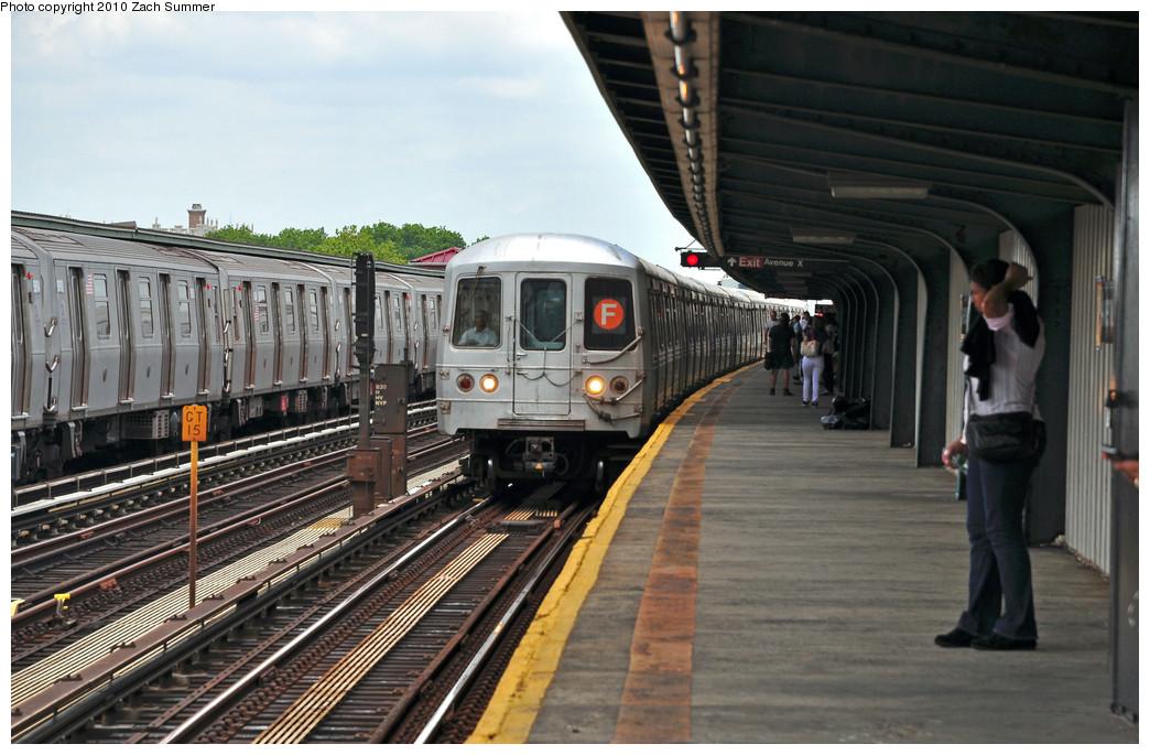 (245k, 1044x685)<br><b>Country:</b> United States<br><b>City:</b> New York<br><b>System:</b> New York City Transit<br><b>Line:</b> BMT Culver Line<br><b>Location:</b> Avenue X <br><b>Route:</b> F<br><b>Car:</b> R-46 (Pullman-Standard, 1974-75) 5496 <br><b>Photo by:</b> Zach Summer<br><b>Date:</b> 6/23/2010<br><b>Notes:</b> G.O. F Wrong-Railing into Avenue X<br><b>Viewed (this week/total):</b> 1 / 1540