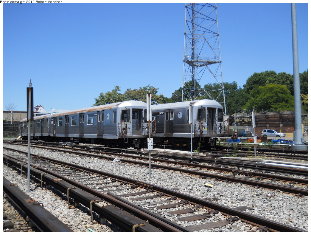 (338k, 1044x788)<br><b>Country:</b> United States<br><b>City:</b> New York<br><b>System:</b> New York City Transit<br><b>Location:</b> East New York Yard/Shops<br><b>Car:</b> R-42 (St. Louis, 1969-1970)  4794/4797 <br><b>Photo by:</b> Robert Mencher<br><b>Date:</b> 7/3/2010<br><b>Viewed (this week/total):</b> 0 / 914