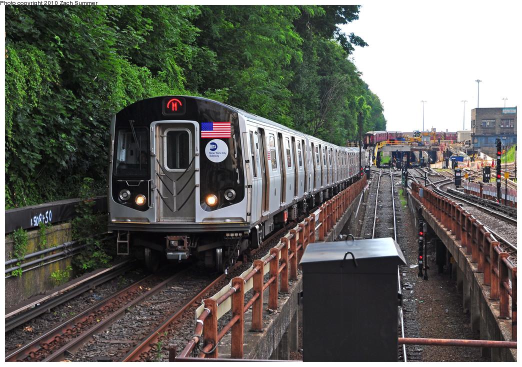 (373k, 1044x734)<br><b>Country:</b> United States<br><b>City:</b> New York<br><b>System:</b> New York City Transit<br><b>Line:</b> BMT West End Line<br><b>Location:</b> 9th Avenue <br><b>Route:</b> M<br><b>Car:</b> R-160A-1 (Alstom, 2005-2008, 4 car sets)  8632 <br><b>Photo by:</b> Zach Summer<br><b>Date:</b> 6/24/2010<br><b>Viewed (this week/total):</b> 0 / 1217