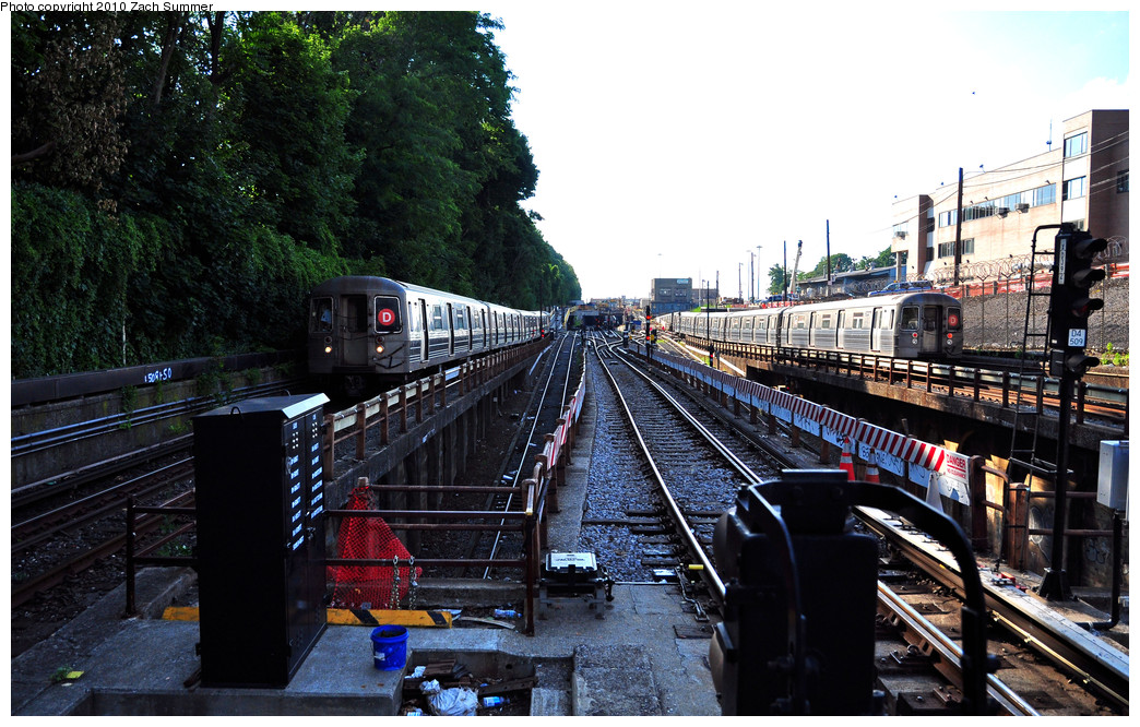 (307k, 1044x666)<br><b>Country:</b> United States<br><b>City:</b> New York<br><b>System:</b> New York City Transit<br><b>Line:</b> BMT West End Line<br><b>Location:</b> 9th Avenue <br><b>Route:</b> D<br><b>Car:</b> R-68 (Westinghouse-Amrail, 1986-1988)  2742 / 2694 <br><b>Photo by:</b> Zach Summer<br><b>Date:</b> 6/24/2010<br><b>Viewed (this week/total):</b> 1 / 1870