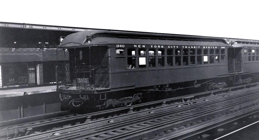 (122k, 1024x555)<br><b>Country:</b> United States<br><b>City:</b> New York<br><b>System:</b> New York City Transit<br><b>Line:</b> BMT Nassau Street/Jamaica Line<br><b>Location:</b> Chauncey Street <br><b>Route:</b> Lex el service.<br><b>Car:</b> BMT Elevated Gate Car 940 <br><b>Collection of:</b> George Conrad Collection<br><b>Date:</b> 7/17/1943<br><b>Viewed (this week/total):</b> 1 / 2336