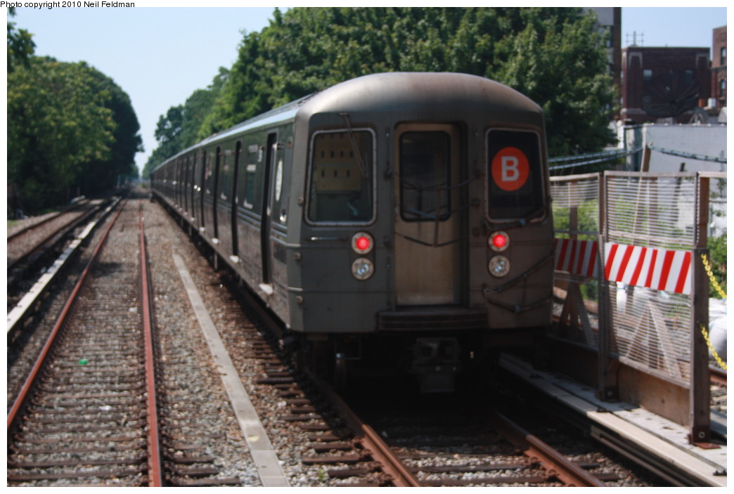 (192k, 1044x703)<br><b>Country:</b> United States<br><b>City:</b> New York<br><b>System:</b> New York City Transit<br><b>Line:</b> BMT Brighton Line<br><b>Location:</b> Avenue J <br><b>Route:</b> B<br><b>Car:</b> R-68 (Westinghouse-Amrail, 1986-1988)  2914 <br><b>Photo by:</b> Neil Feldman<br><b>Date:</b> 6/28/2010<br><b>Viewed (this week/total):</b> 2 / 948