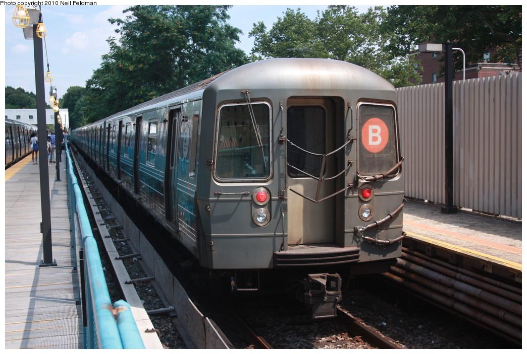 (229k, 1044x703)<br><b>Country:</b> United States<br><b>City:</b> New York<br><b>System:</b> New York City Transit<br><b>Line:</b> BMT Brighton Line<br><b>Location:</b> Avenue J <br><b>Route:</b> B<br><b>Car:</b> R-68A (Kawasaki, 1988-1989)  5020 <br><b>Photo by:</b> Neil Feldman<br><b>Date:</b> 6/28/2010<br><b>Viewed (this week/total):</b> 0 / 1174