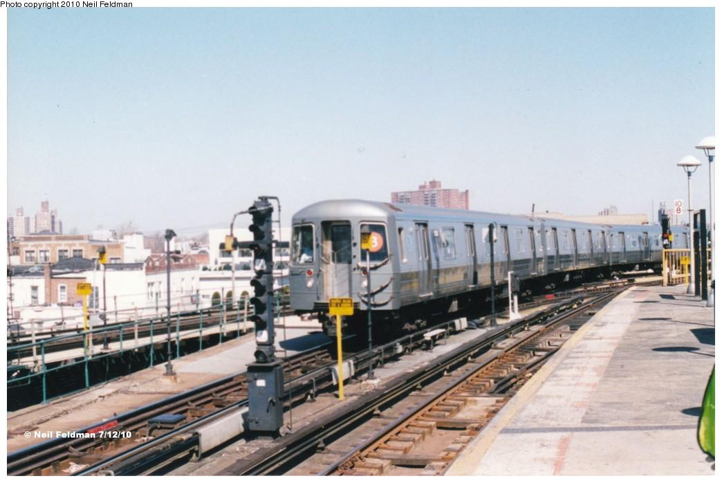 (160k, 1044x698)<br><b>Country:</b> United States<br><b>City:</b> New York<br><b>System:</b> New York City Transit<br><b>Location:</b> Coney Island/Stillwell Avenue<br><b>Route:</b> B<br><b>Car:</b> R-68A (Kawasaki, 1988-1989)  5186 <br><b>Photo by:</b> Neil Feldman<br><b>Date:</b> 1999<br><b>Viewed (this week/total):</b> 2 / 1256