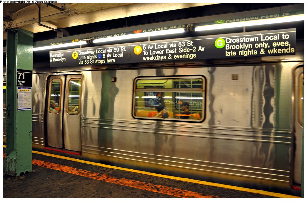 (296k, 1044x685)<br><b>Country:</b> United States<br><b>City:</b> New York<br><b>System:</b> New York City Transit<br><b>Line:</b> IND Queens Boulevard Line<br><b>Location:</b> 71st/Continental Aves./Forest Hills <br><b>Photo by:</b> Zach Summer<br><b>Date:</b> 6/24/2010<br><b>Notes:</b> Prior to updating the signs for M/V swap and G cutback<br><b>Viewed (this week/total):</b> 1 / 1849