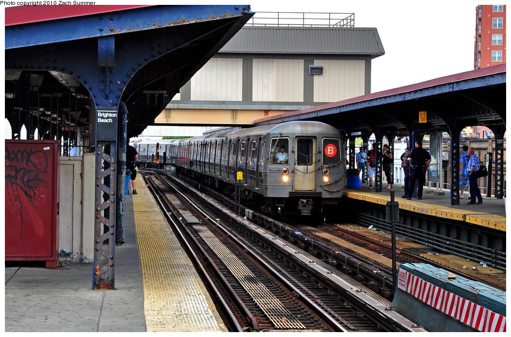 (321k, 1044x690)<br><b>Country:</b> United States<br><b>City:</b> New York<br><b>System:</b> New York City Transit<br><b>Line:</b> BMT Brighton Line<br><b>Location:</b> Brighton Beach <br><b>Route:</b> B<br><b>Car:</b> R-68A (Kawasaki, 1988-1989)  5174 <br><b>Photo by:</b> Zach Summer<br><b>Date:</b> 6/23/2010<br><b>Viewed (this week/total):</b> 0 / 1261