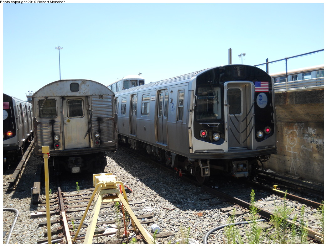 (302k, 1044x788)<br><b>Country:</b> United States<br><b>City:</b> New York<br><b>System:</b> New York City Transit<br><b>Location:</b> East New York Yard/Shops<br><b>Car:</b> R-160A-1 (Alstom, 2005-2008, 4 car sets)  8580 <br><b>Photo by:</b> Robert Mencher<br><b>Date:</b> 7/3/2010<br><b>Viewed (this week/total):</b> 0 / 650