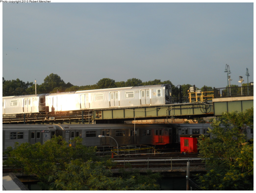 (221k, 1044x788)<br><b>Country:</b> United States<br><b>City:</b> New York<br><b>System:</b> New York City Transit<br><b>Line:</b> BMT Canarsie Line<br><b>Location:</b> Broadway Junction <br><b>Route:</b> L<br><b>Car:</b> R-143 (Kawasaki, 2001-2002) 8284 <br><b>Photo by:</b> Robert Mencher<br><b>Date:</b> 7/17/2010<br><b>Viewed (this week/total):</b> 3 / 1047