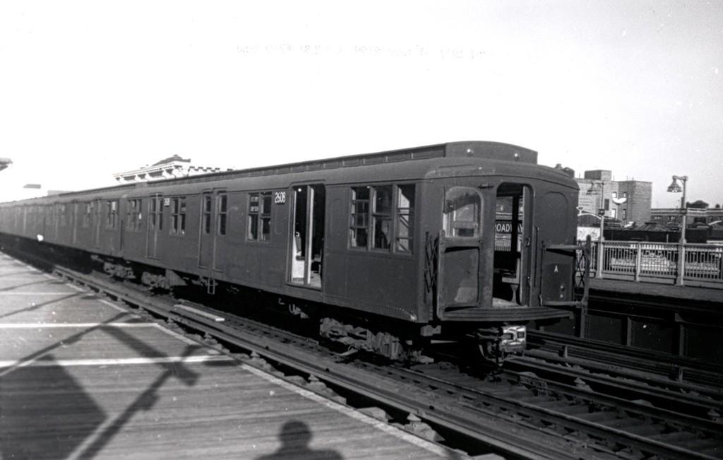 (111k, 1024x651)<br><b>Country:</b> United States<br><b>City:</b> New York<br><b>System:</b> New York City Transit<br><b>Line:</b> BMT Astoria Line<br><b>Location:</b> Broadway <br><b>Route:</b> Layup<br><b>Car:</b> BMT A/B-Type Standard 2608 <br><b>Collection of:</b> George Conrad Collection<br><b>Date:</b> 10/24/1961<br><b>Viewed (this week/total):</b> 0 / 1794