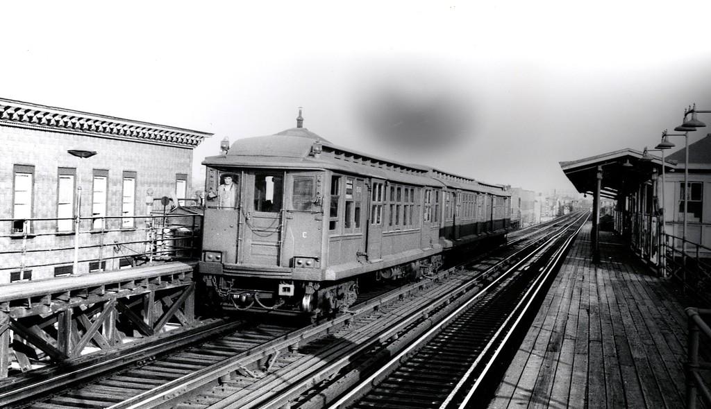 (169k, 1024x590)<br><b>Country:</b> United States<br><b>City:</b> New York<br><b>System:</b> New York City Transit<br><b>Line:</b> BMT Fulton<br><b>Car:</b> BMT C 1511 <br><b>Collection of:</b> George Conrad Collection<br><b>Viewed (this week/total):</b> 1 / 2954