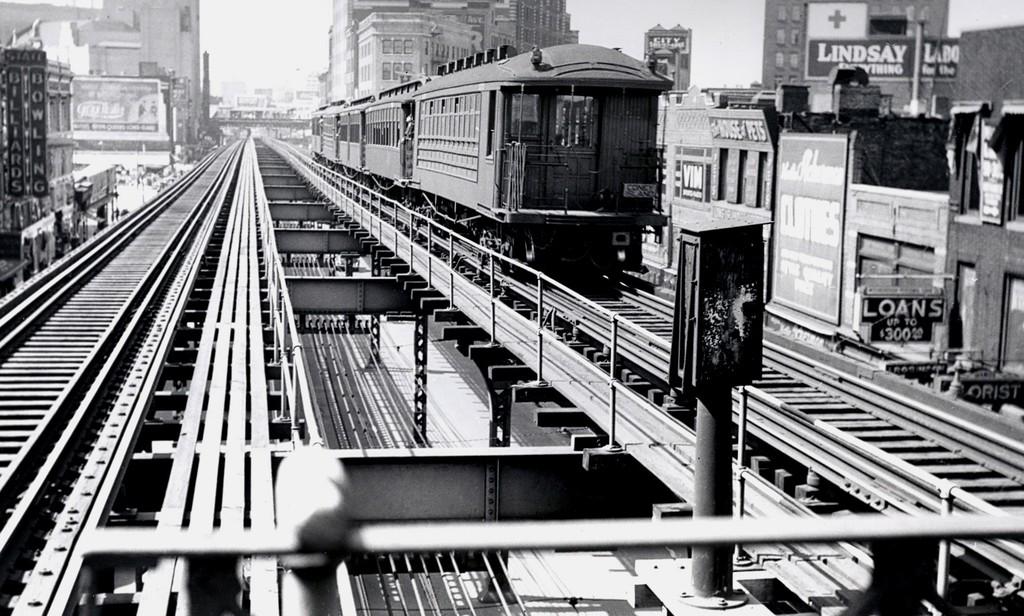 (205k, 1024x616)<br><b>Country:</b> United States<br><b>City:</b> New York<br><b>System:</b> New York City Transit<br><b>Line:</b> BMT 5th Avenue El<br><b>Location:</b> Atlantic Avenue <br><b>Car:</b> BMT Elevated Gate Car  <br><b>Collection of:</b> George Conrad Collection<br><b>Notes:</b> Culver line train. Facing north from Atlantic Ave  - Fulton el in distance.<br><b>Viewed (this week/total):</b> 0 / 3604
