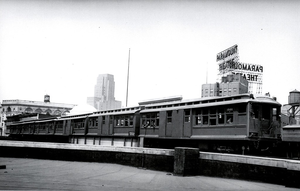 (136k, 1024x654)<br><b>Country:</b> United States<br><b>City:</b> New York<br><b>System:</b> New York City Transit<br><b>Line:</b> BMT Fulton<br><b>Location:</b> Flatbush Avenue <br><b>Car:</b> BMT C 1501 <br><b>Collection of:</b> George Conrad Collection<br><b>Notes:</b> Paramount theater was at corner Flatbush & DeKalb<br><b>Viewed (this week/total):</b> 1 / 1961