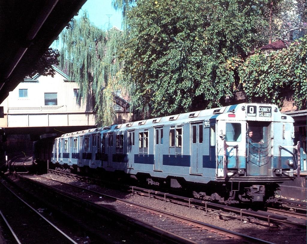 (311k, 1024x812)<br><b>Country:</b> United States<br><b>City:</b> New York<br><b>System:</b> New York City Transit<br><b>Line:</b> BMT Brighton Line<br><b>Location:</b> Beverley Road <br><b>Route:</b> Fan Trip<br><b>Car:</b> R-10 (American Car & Foundry, 1948) 2955 <br><b>Collection of:</b> George Conrad Collection<br><b>Date:</b> 10/22/1976<br><b>Viewed (this week/total):</b> 3 / 5048