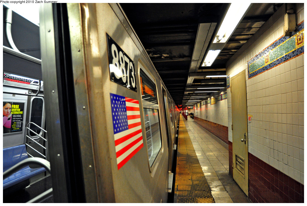(292k, 1044x700)<br><b>Country:</b> United States<br><b>City:</b> New York<br><b>System:</b> New York City Transit<br><b>Line:</b> BMT Broadway Line<br><b>Location:</b> Canal Street <br><b>Route:</b> W<br><b>Car:</b> R-160B (Kawasaki, 2005-2008)  8873 <br><b>Photo by:</b> Zach Summer<br><b>Date:</b> 6/25/2010<br><b>Notes:</b> Last Day of W Service<br><b>Viewed (this week/total):</b> 3 / 1574