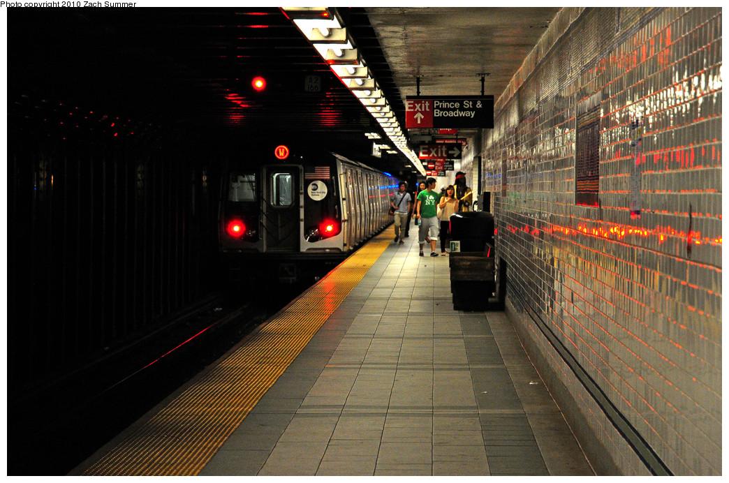 (293k, 1044x692)<br><b>Country:</b> United States<br><b>City:</b> New York<br><b>System:</b> New York City Transit<br><b>Line:</b> BMT Broadway Line<br><b>Location:</b> Prince Street <br><b>Route:</b> W<br><b>Car:</b> R-160B (Kawasaki, 2005-2008)  8873 <br><b>Photo by:</b> Zach Summer<br><b>Date:</b> 6/25/2010<br><b>Notes:</b> Last Day of W Service<br><b>Viewed (this week/total):</b> 1 / 1787