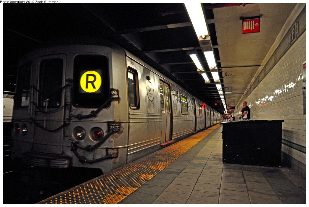 (282k, 1044x700)<br><b>Country:</b> United States<br><b>City:</b> New York<br><b>System:</b> New York City Transit<br><b>Line:</b> BMT Broadway Line<br><b>Location:</b> Prince Street <br><b>Route:</b> R<br><b>Car:</b> R-46 (Pullman-Standard, 1974-75) 5580 <br><b>Photo by:</b> Zach Summer<br><b>Date:</b> 6/25/2010<br><b>Viewed (this week/total):</b> 1 / 1525