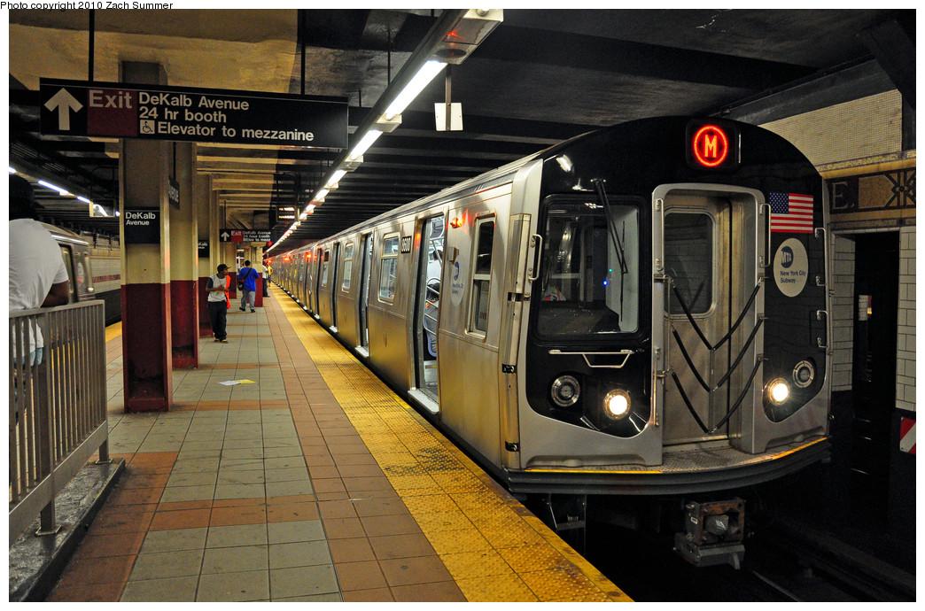(291k, 1044x690)<br><b>Country:</b> United States<br><b>City:</b> New York<br><b>System:</b> New York City Transit<br><b>Location:</b> DeKalb Avenue<br><b>Route:</b> M<br><b>Car:</b> R-160A-1 (Alstom, 2005-2008, 4 car sets)  8600 <br><b>Photo by:</b> Zach Summer<br><b>Date:</b> 6/25/2010<br><b>Notes:</b> Last Day of Nassau St/South Brooklyn M Service<br><b>Viewed (this week/total):</b> 0 / 1582